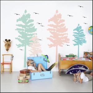 habitación_infantil_con_vinilo_arboles